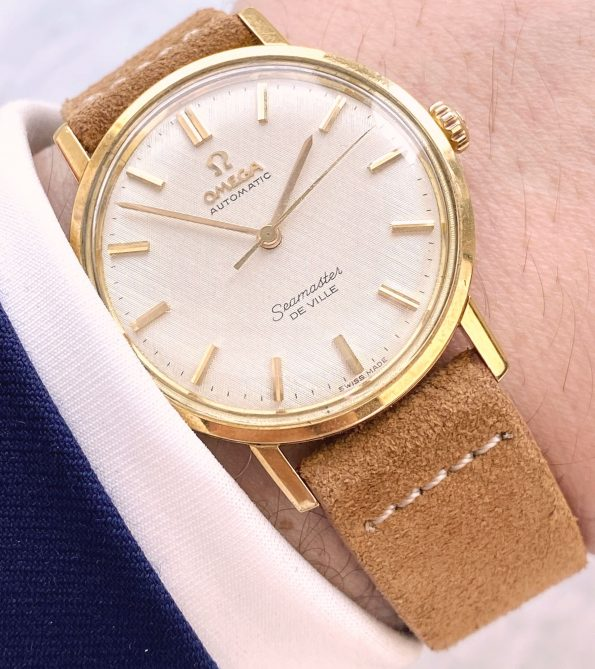 Beautiful Solid Gold Vintage Omega Seamaster De Ville Automatic LINEN DIAL