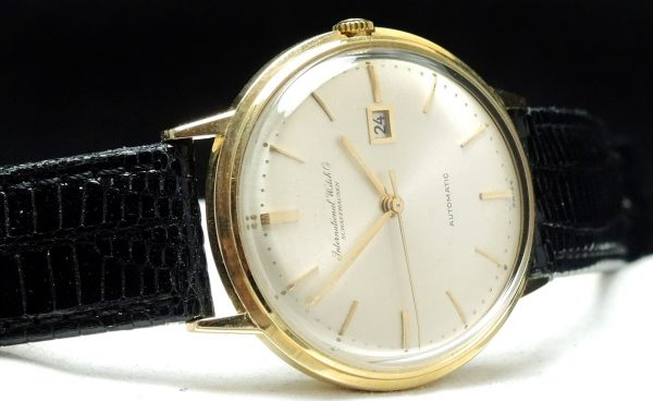 Important IWC automatic Watch of solid gold
