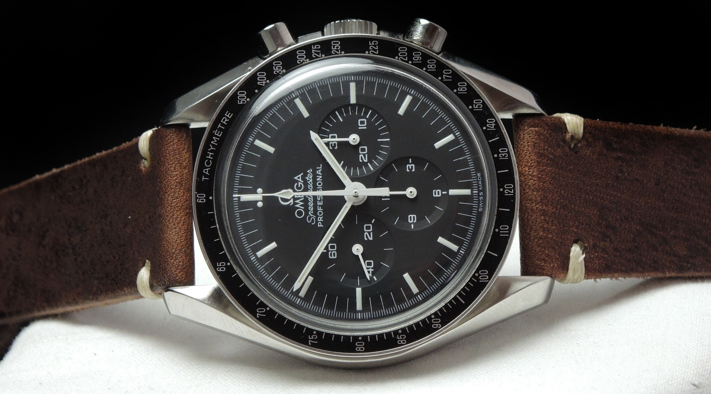 omega speedmaster professional moonwatch original papers cal 1861 vintage portfolio. Black Bedroom Furniture Sets. Home Design Ideas