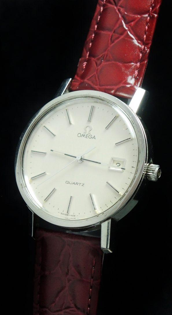 380 Amazing Omega Steel Quartz Quarz Vintage