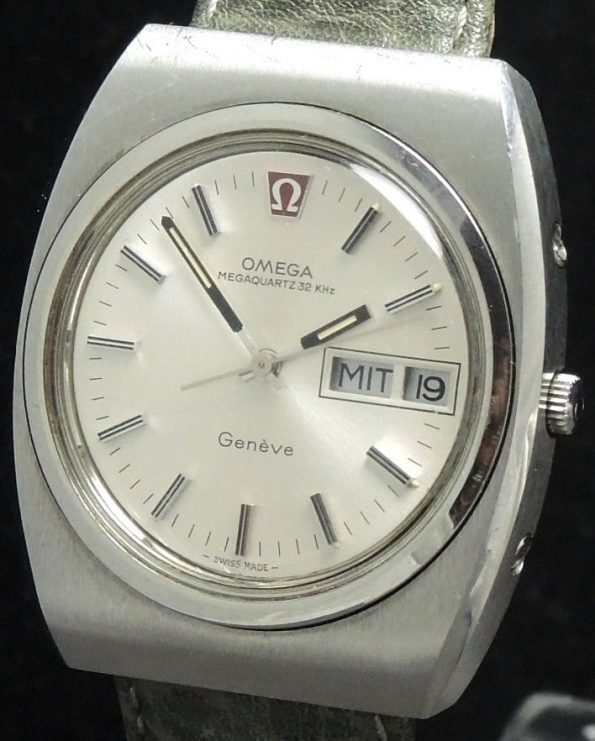 Wonderful Original Omega Megaquartz 32 KHz Day Date