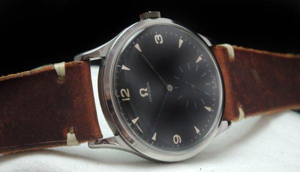 Oversize Jumbo 38mm Omega black dial Vintage 30t2