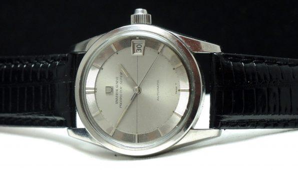 Universal Geneve Polerouter Date Automatik silver dial