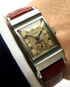 Great Art Deco Longines with Extract of the Archieves