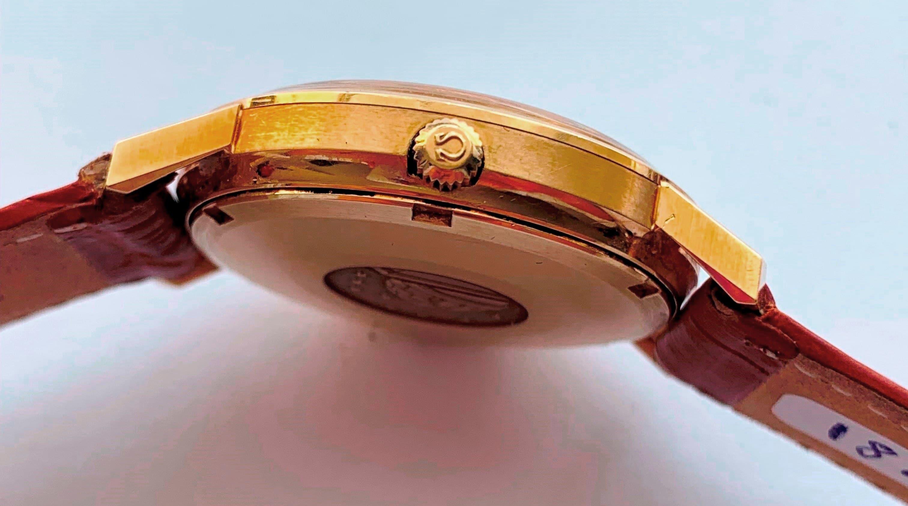 Beautiful Solid Gold Omega Constellation Calatrava Onyx Dial