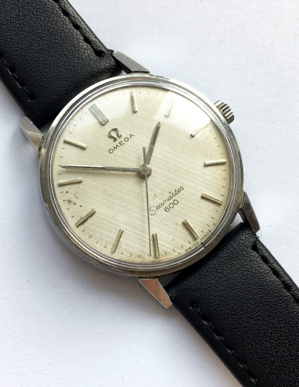 Gorgeous Vintage Omega Seamaster 600 with Honeycomb Dial