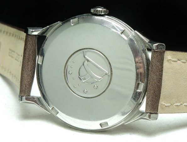 Gorgeous Salmon Dial Omega Constellation Pie Pan Date