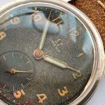 a2570 omega black dial patina (10)