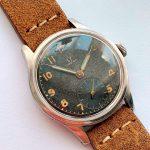 a2570 omega black dial patina (5)
