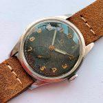 a2570 omega black dial patina (7)