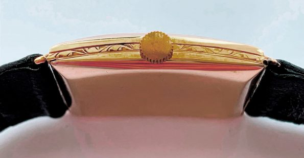 Wonderful Omega Tank Art Deco Solid Gold
