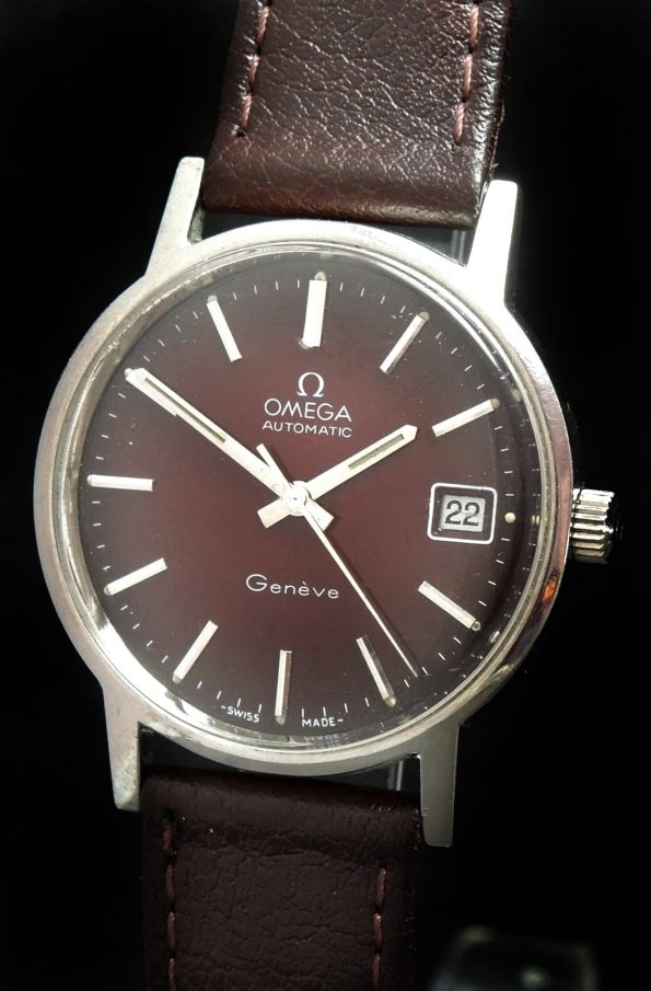 Vintage Omega Genève Automatic Date RARE Red Spider Dial