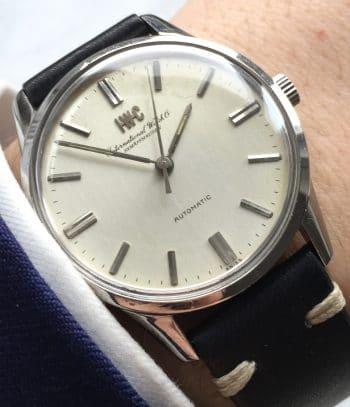 [:en]Beautiful IWC Vintage Steel Wristwatch with Original Linen Dial[:de]Tolle IWC Vintage Automatikuhr mit Originalem Leinenziffernblatt[:]