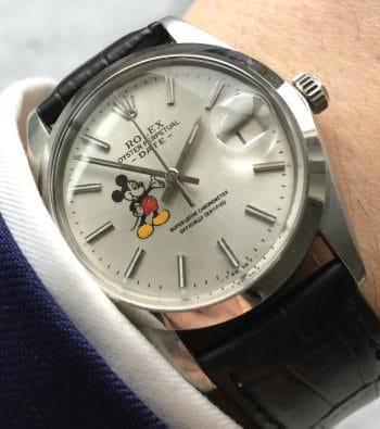 [:en]Great Rolex Date with Painted Mickey Mouse Dial Handwinding[:de]Tolle Rolex Date mit Mickey Mouse Ziffernblatt Handaufzug (restauriert)[:]
