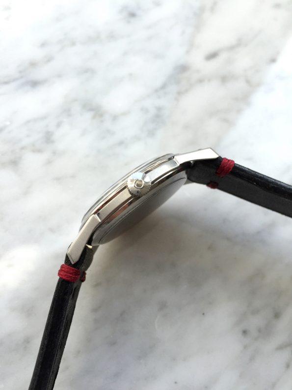 Tolle Omega Vintage Handaufzug Restauriertes schwarzes SECTOR Ziffernblatt