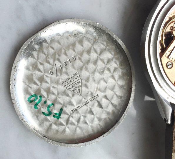 Omega Oversize Jumbo Vintage mit schwarzem Honeycomb Ziffernblatt