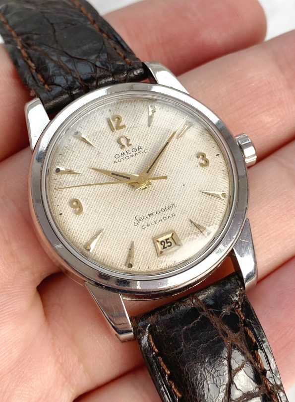 Honeycomb Dialed Omega Seamaster Bumper Automatic Date at 6h
