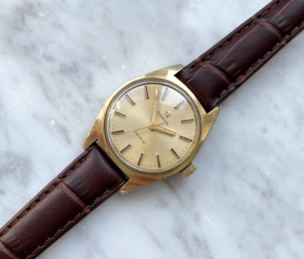 Omega Geneve Handwinding Lady with Onyx Indices