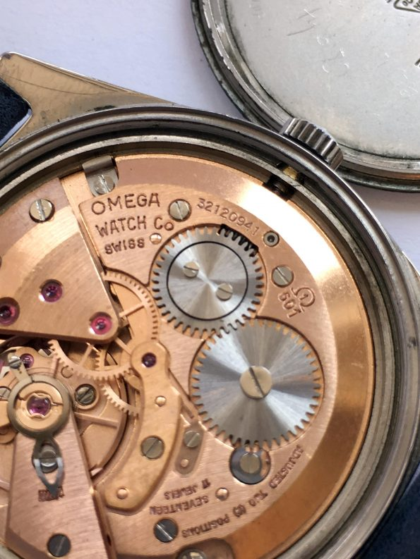 Vintage Omega Genève Handwinding Cal 601 Onyx Dial