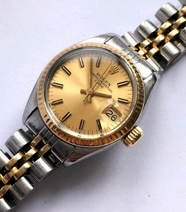 Gorgeous Ladies Twotone Rolex Oyster Perpetual Date