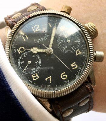 [:en]Professionally Serviced Vintage 1944 Military Style Hanhart Chronograph[:de]Servicierte Vintage 1944 Hanhart Chronograph im Militärstil[:]