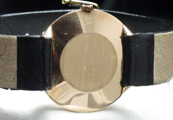 Elegant Solid Gold Jaeger LeCoultre Vintage