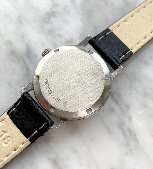 Wonderful Vintage Omega Geneve Date with tritium dial