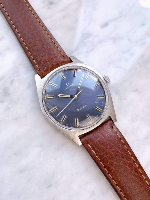 Beautiful Vintage Omega Geneve Handwinding Blue Dial 135.041