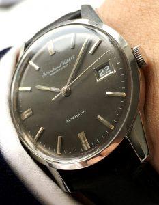 iwc-vintage-black-dial-linen-1084 (1)