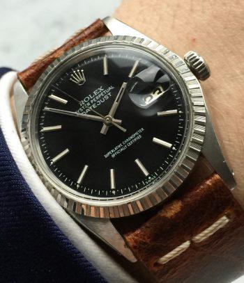[:en]Sporty Rolex Datejust Automatic with refurbished black dial[:de]Sportliche Rolex Datejust mit schwarzem Ziffernblatt (restauriert)[:]