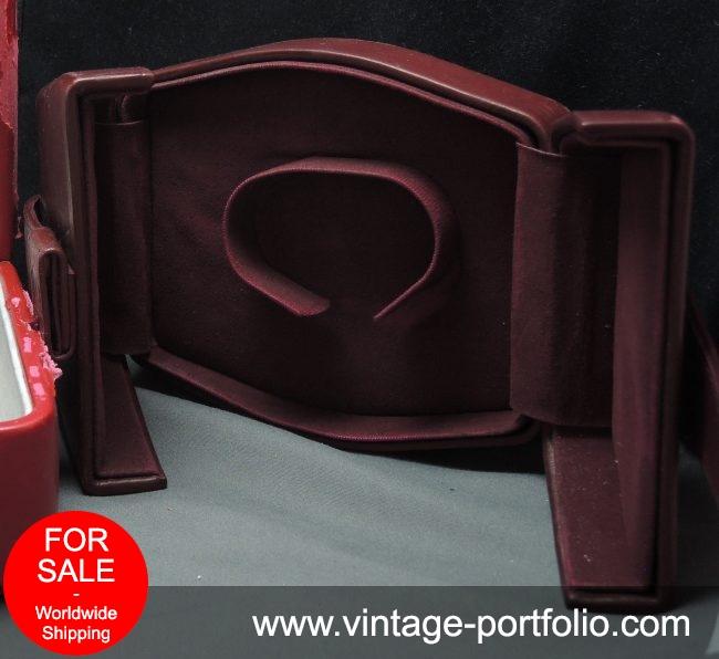 Genuine Omega Box in red