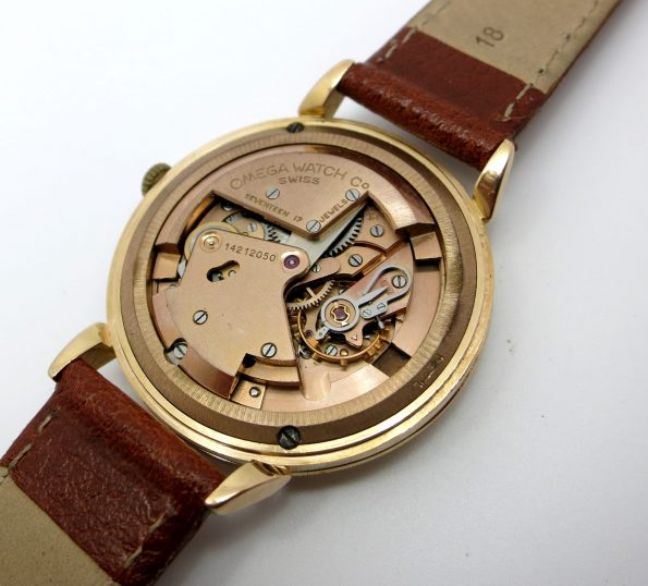 Serviced original Omega 18 karat red gold  Automatic Watch with honeycomb dial 37mm oversize.