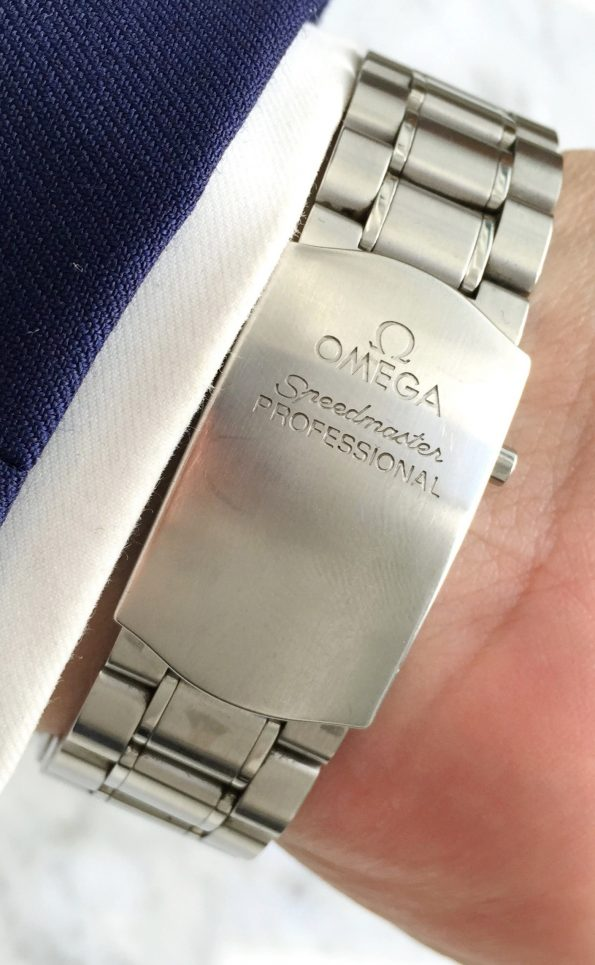 Rare Omega Speedmaster Moonwatch Snoopy Award Box Papers