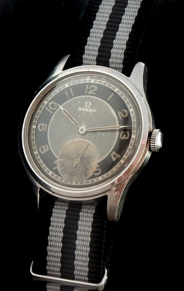 Amazing Omega Souverän Militar black grey two tone dial 1945