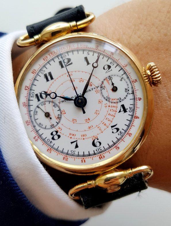 Stunning  Universal Geneve Single Pusher Botton Chronograph  18 carat gold Oversize Jumbo