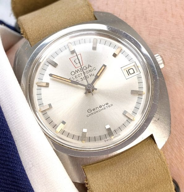 Omega Electronic f300HZ CHRONOMETER Vintage Steel Battery with tritium dial
