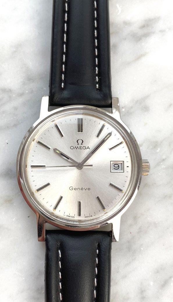 Vintage Omega Geneve Handwinding with unrestored silver sunburst tritium dial